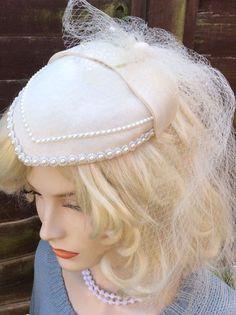 VINTAGE 1940s 1950s IVORY BRIDAL TEARDROP FASCINATOR VEIL WEDDING HAT HEADPIECE    eBay