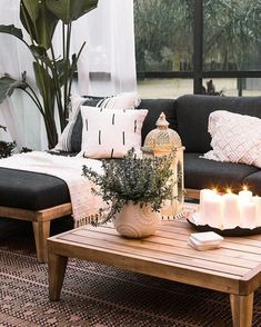 A chic retreat patio makeover, Home Decor, A chic retreat patio makeover tropical boho chic patio decor. Resin Patio Furniture, Diy Garden Furniture, Living Room Furniture, Outdoor Furniture Sets, Furniture Design, Wooden Furniture, Antique Furniture, Furniture Layout, Furniture Dolly