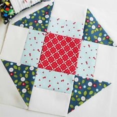 "Block 22 - Churn Dash. This is February's block for the ""6 Designers - 12 Blocks"" (6kopfe12blocke) sew along. One of my favourite quilt blocks."