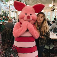 My breakfast was with this cuddly and the whole class of Pooh Bear 💕 we … Walt Disney World, Disney World Vacation, Disney Trips, Disney Parque, Disneyland Photography, Disney World Pictures, Disney Headbands, Disney College Program, Disney Movie Characters