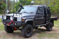 Heavy duty Superior Remote Reservoir Superflex 5 Inch Lift Kit fitted to a 79 series Toyota Landcruiser (single cab) ute. Landcruiser Ute, Landcruiser 79 Series, Sexy Cars, Hot Cars, Custom Ute Trays, Toyota Surf, Toyota Cruiser, Future Car, Future Tech