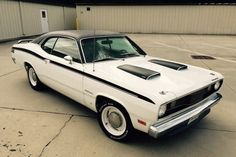 Magic Carpet Auto Transport Here is how we Roll. #LGMSports move it with http://LGMSports.com 1971 Plymouth Duster