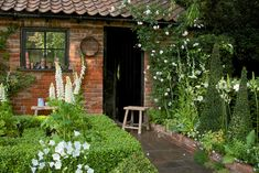 The Topiarist's artisan garden at the RHS Chelsea Flower Show 2014 / RHS Gardening