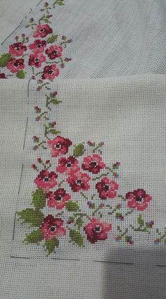 This Pin was discovered by Sel Cross Stitch Love, Cross Stitch Borders, Cross Stitch Flowers, Cross Stitch Designs, Cross Stitching, Cross Stitch Patterns, Hand Embroidery Projects, Embroidery Patterns, Ribbon Embroidery