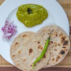 Pithla (Spicy garbanzo bean flour gravy)- An authentic Maharashtrian delicacy