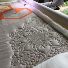 """""""Absolutely no plan with this one! Total improv! That's the beauty of quilting your own quilt, you can go crazy!! #aurifil #freebirdquilting…"""""""