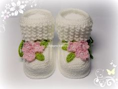 Baby Boots Models Video Making Crochet Baby Shoes, Crochet Baby Clothes, Crochet Slippers, All Free Crochet, Crochet For Kids, Baby Bootees, Knitting Patterns, Crochet Patterns, Baby Girl Patterns