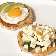 Otra opción de desayuno fuera de lo tradicional: en vez de pan o galletas utilizar vegetales harinosos como la papa, camote o, en este caso, tiquisque. Para este desayuno cociné el tiquisque pelado…