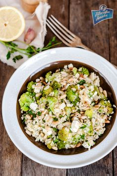 Sałatka z bulgurem, fetą i brokułami - Filozofia Smaku