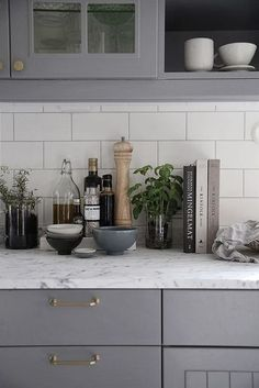 Grey Kitchen Cabinets (18)