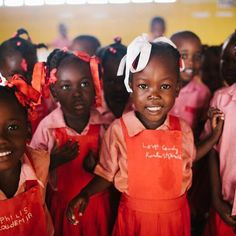 The future looks bright for these kids in #Haiti. Because they have homes, they get sick less, meaning they spend more time studying and in school. #letgirlslearn #girlsinschool Reposted Via @newstorycharity