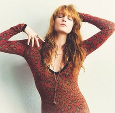 dedicated purely to the wonderful woman that is florence leontine mary welch submit/ask us stuff but please read the FAQ first! Florence The Machines, Florence Welch, Celebs, Celebrities, Missoni, Girl Power, Celebrity Style, Winter Fashion, Vogue