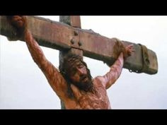 """Jim Caviezel who played Jesus in the Mel Gibson movie, """"The Passion of the Christ,"""" recently told an audience in San Diego how he was struck by lightning while (. Mel Gibson, Passion Christi, Christ Movie, La Passion Du Christ, Image Jesus, Tv Spielfilm, Jesus Christus, Jim Caviezel, Jesus Pictures"""