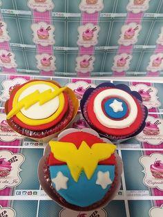 Super Heróis: Flash, Capitão América e Mulher Maravilha