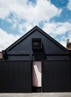 Whiting Architects triumph in 2016 Dulux Colour Awards - The Interiors Addict Exterior Paint, Exterior Design, Exterior Shutters, Residential Architecture, Modern Architecture, Edwardian Haus, Black House Exterior, Interior Design Awards, Scandinavian Home