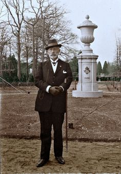 Exiled Kaiser Wilhelm standing in the Rosarium in the park of Huis Doorn.