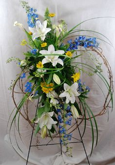 Send Grapevine Remembrance in Granbury, TX from Town and Country Floral Gallery, the best florist in Granbury. All flowers are hand delivered and same day delivery may be available. Arrangements Funéraires, Country Flower Arrangements, Funeral Floral Arrangements, Beautiful Flower Arrangements, Beautiful Flowers, Casket Flowers, Grave Flowers, Cemetery Flowers, Funeral Flowers