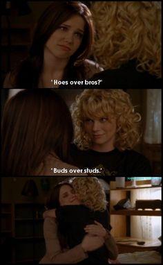 One Tree Hill - Brooke Davis (Sophia Bush) and Peyton Sawyer (Hilarie Burton)