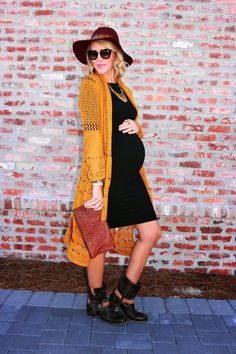 Fashion blogger wears Seraphine's maternity Bump Kit