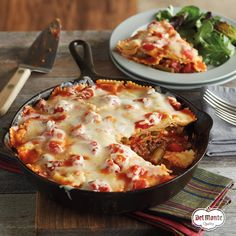 Skillet Ravioli Lasagna gives your family the comfort food they crave any night of the week. Using refrigerated ravioli, it's ready in of the time and makes weeknight comfort food deliciously doable. Great Recipes, Dinner Recipes, Favorite Recipes, Dessert Recipes, Pasta Dishes, Food Dishes, Main Dishes, Pasta Food, Italian Dishes