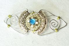 How to Make a Metal Vintage Brooch with Aqua Glass Beads