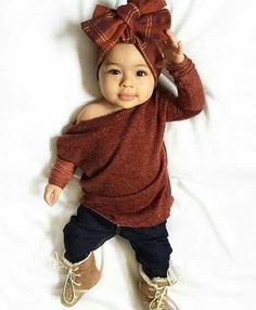 baby outfits Pick a name that is strong, feminine, and full of meaning. So Cute Baby, Baby Kind, Cute Baby Clothes, My Baby Girl, Cute Babies, Baby Girl Bows, Infant Girl Clothes, Cute Baby Outfits, Baby Girl Clothing