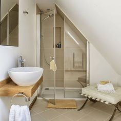 Tiny bathroom Sloped Ceiling - Bathroom suites that make the most of awkward spaces. Attic Shower, Small Attic Bathroom, Loft Bathroom, Upstairs Bathrooms, Small Bathrooms, Shower Rooms, Neutral Bathroom, Bathroom Showers, Master Bathroom