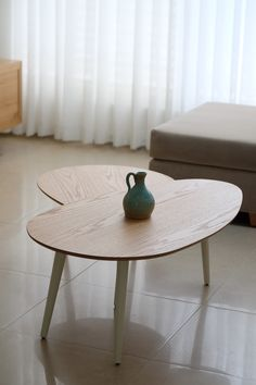 Coffee table by Ayelet Shtain Interior Design