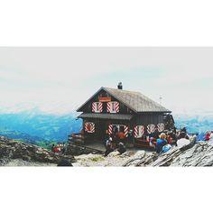Top of Mythen, Brunni-Alpthal, Switzerland Photo: Lisa Marlen Austmann www.lisamarlenaustmann.de