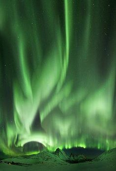 Aurora Borealis in Iceland (by Andritcu Andrei on Flickr)