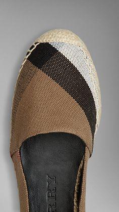 Burberry linen shoes