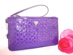 NWT-COACH-Violet-Perforated-Liquid-Gloss-Signature-Medium-Wristlet-F51677