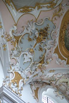 Stucco ceiling,white, pink, blue and gold. by MisterPeter!. Gorgeous interior decoration details.