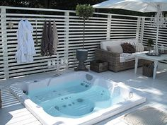 65 Super Ideas Backyard Whirlpool Ideas Privacy Screen Horizontal Fence # Back . Jacuzzi Outdoor, Outdoor Spa, Outdoor Rooms, Outdoor Living, Hot Tub Backyard, Backyard Fences, Backyard Kitchen, Backyard Retreat, Garden Fencing