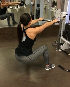 Jockey rows 💪🏼💪🏼 Full back workout: bowmarfitness.com - These are a great back and butt workout. A little difficult at first to get the movement but once you do, they are amazing! Make sure the cable is right around your belly button when you're standing. Let me know if you have any questions! I did 5 sets of 20 - BOWMARFITNESS.COM