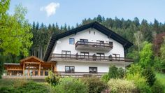 Alpenpension Weltsprachen Ratten Set amidst the scenic Styrian landscape, near the village centre of Ratten and a 5-minute drive from the ski lifts, Alpenpension Weltsprachen offers rooms with free WiFi access and free toiletries. Most rooms have a balcony.