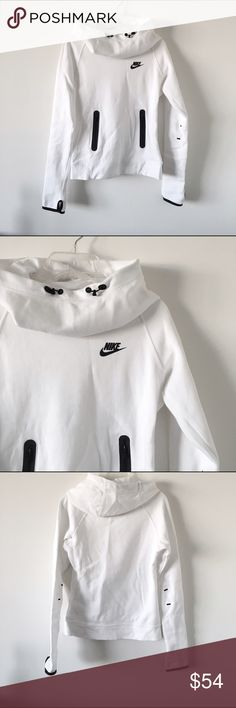 Nike White Tech Fleece Pullover Nike's tech fleece pullover with an extremely comfortable fabric and oversized funnel style hold. Kangaroo pocket, thumb sleeves. Perfect for working out or day to day activities. Worn once. Nike Sweaters