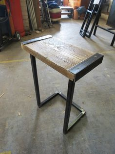 Reclaimed Industrial Chic Style Solid Wood & Metal von RccFurniture