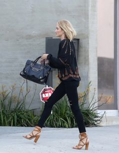Rosie out and about in Los Angeles, June 17    Obsessed