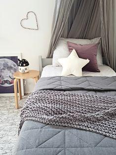 Saskia's Cute Room with a Mid-century touch