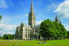 Built to the glory of God, this vibrant Cathedral church with Britain's tallest spire and best preserved Magna Carta is just 8 miles from Stonehenge. Salisbury Cathedral, Master Plan, British Isles, Barcelona Cathedral, About Uk, Tours, How To Plan, Mansions, Cathedrals