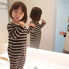 Ulzzang baby girl - Ulzzang baby girl The Effective Pictures We Offer You About baby yoda A quality picture can tell y - Cute Asian Babies, Korean Babies, Asian Kids, Cute Babies, Cute Little Baby, Cute Baby Girl, Little Babies, Baby Boy, Cute Baby Pictures