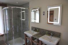 Elm Bathroom en suite