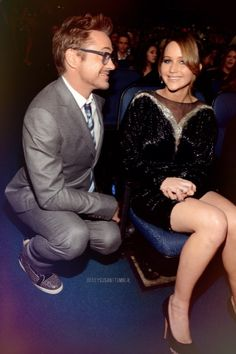 okay so this really doesnt have anything to do with the Hunger Games Robert Downey Jr. and Jennifer Lawrence at the 2013 People's Choice Awards held at Nokia Theatre L. Live on He adores her just like us! Katniss Everdeen, Christian Grey, Ryan Gosling, Hunger Games, Adam Levine, Pretty People, Beautiful People, Perfect People, Beautiful Celebrities