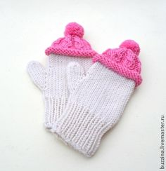 Детские варежки в шапочках, розовые с помпоном. Handmade.