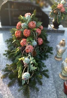 aranżacje kwiatowe - Szukaj w Google Christmas Wreaths, Christmas Decorations, Holiday Decor, Grave Decorations, Funeral Flowers, Chinese New Year, Ikebana, Flower Power, Flower Arrangements