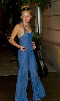 Celeb fanny | Paparazzi | Pinterest | Fanny Pack, Rihanna and News