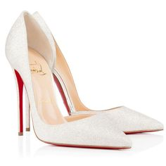 Classic Pink Manor Wedding Read more - www.stylemepretty... Christian Louboutin Red Bottoms, Christian Louboutin Outlet, Red Bottom Heels, Red High Heels, Night Club Outfits, Manolo Blahnik Heels, Africa Fashion, Peep Toe Pumps, Designer Shoes