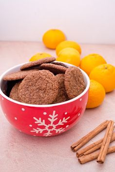 Pepparkakor - fursecuri suedeze cu ghimbir Ginger Cookies, Decorative Bowls, Cereal, Breakfast, Cake, Food, Morning Coffee, Gingerbread Cookies, Kuchen