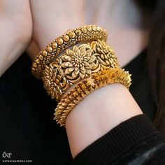 The Bangles. Trendy, chic, ethnic and daily wear you will find a pair of bangles for all occasions. Treat yourself to something special from our huge collection. The Bangles, Bridal Bangles, Bangle Bracelets, Diamond Bracelets, Indian Gold Bangles, Indian Gold Jewellery, Braclets Gold, Amrapali Jewellery, Cartier Bracelet